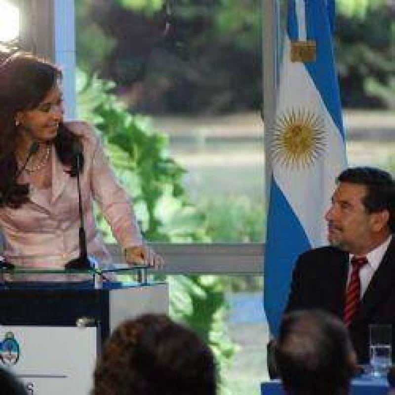 Cristina y Beder acordaron la construcción de otras 4 mil viviendas