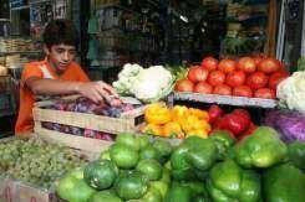 Verduras y carnes van a contramano del mercado