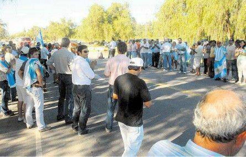 En Córdoba, la Presidenta eludió una protesta de productores