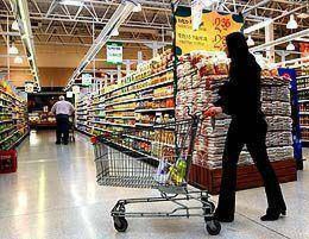 Las ventas de los super tuvieron el menor incremento en 19 meses