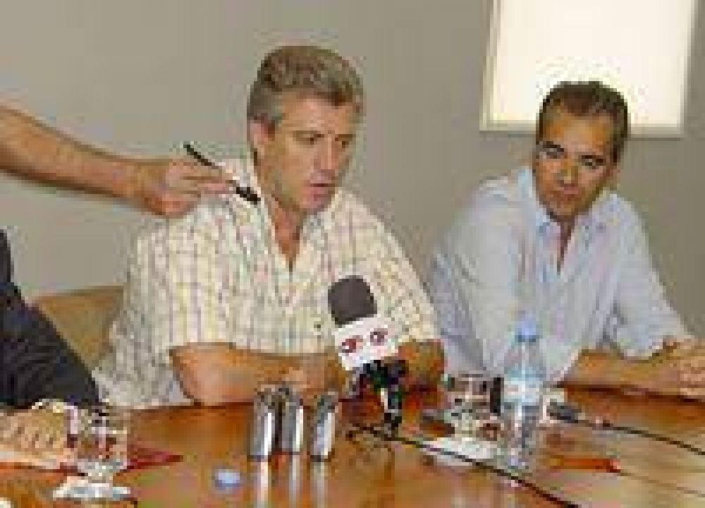 Conferencia de prensa conjunta de Eliceche con García Lorea y Leonardo Domínguez.