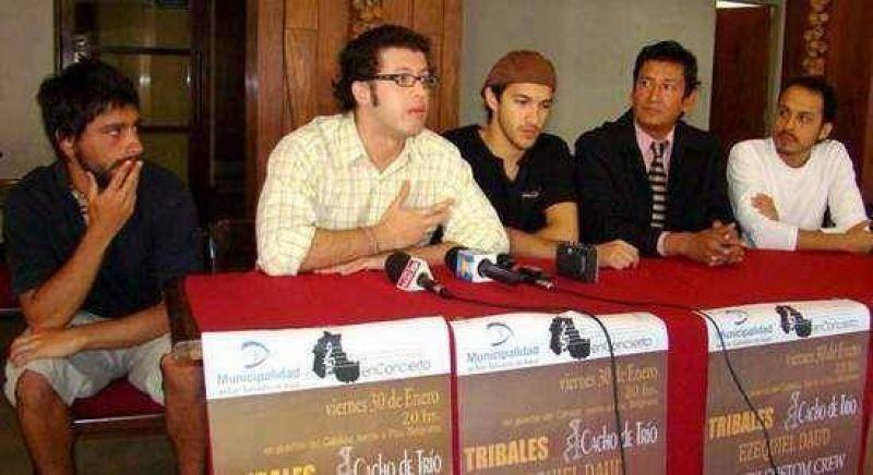 En puertas del Cabildo se presentar� una fusi�n musical: actuar�n Cacho Tr�o, Ezequiel Daud y North Custom Crew