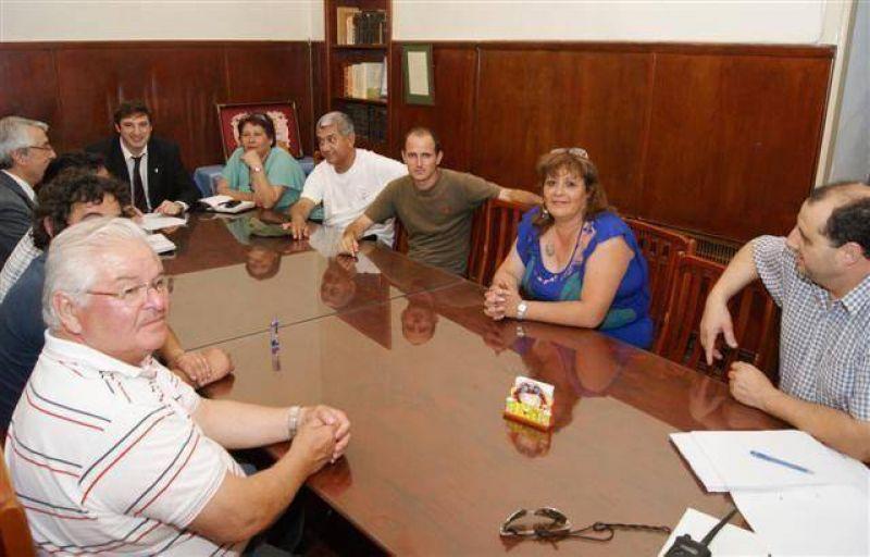 LUJ�N - EL DOCTOR OSCAR LUCIANI SE REUNIO CON TODOS LOS REPRESENTANTES DE LOS TRABAJADORES MUNICIPALES