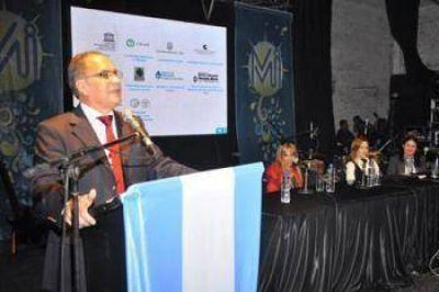 Descalzo sin cambiar nombró a nuevos funcionarios  de distintas vertientes políticas