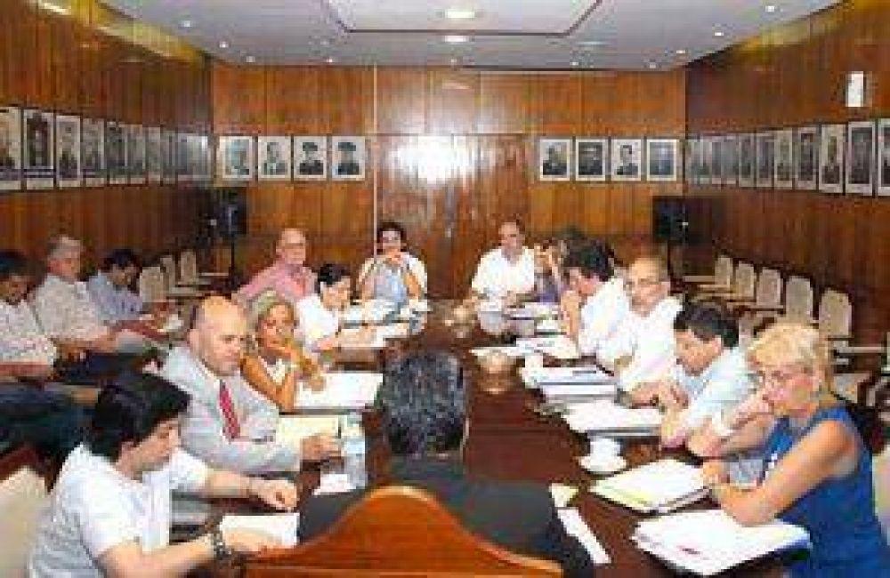 A pesar del año electoral el gobierno no dejará de gestionar dijo Peppo luego de reunión de Gabiente