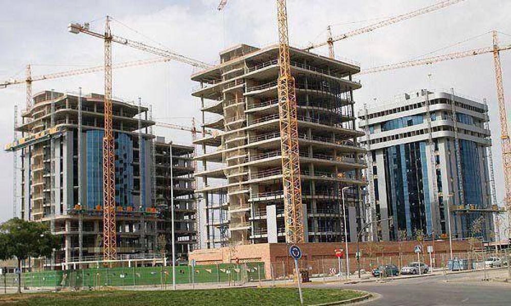 La construcción subió 5% el año pasado, informó el Indec.
