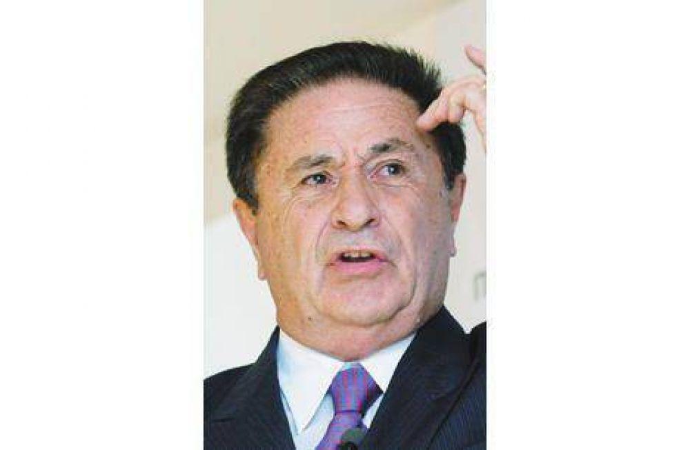 Campo: reapareció Duhalde con críticas a las medidas oficiales.