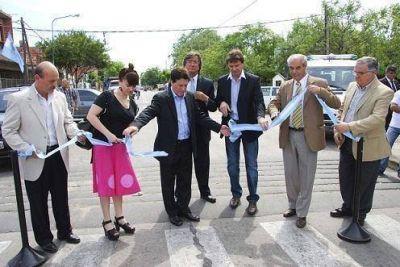 Lanús: Darío Díaz Pérez inauguró las nuevas instalaciones de la Unidad Sanitaria Miranda Norgren