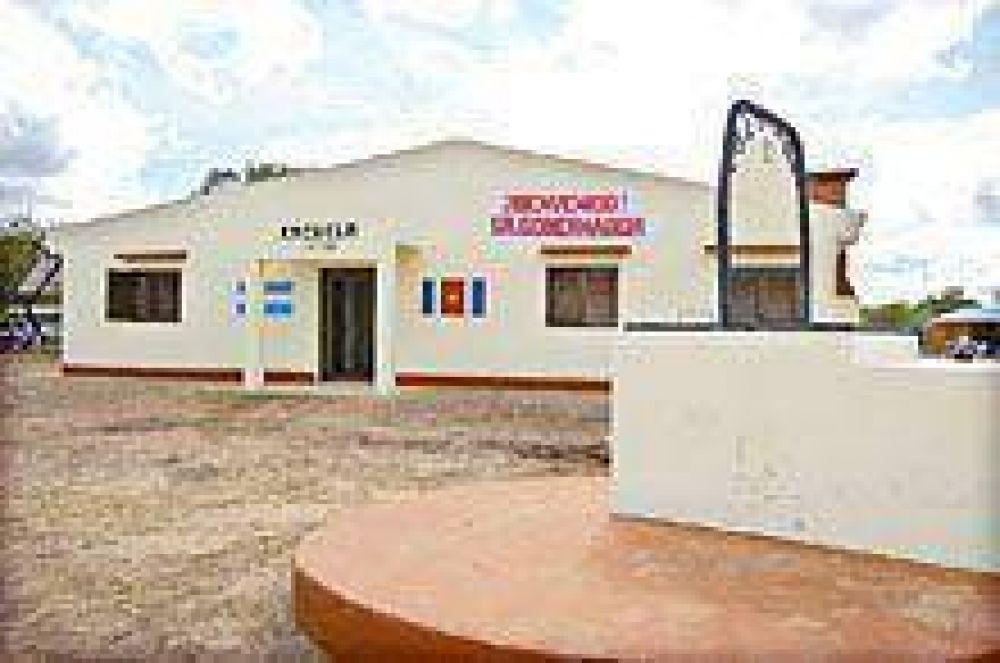 Después de dos años reconstruyen la Escuela 10 de Claypole.