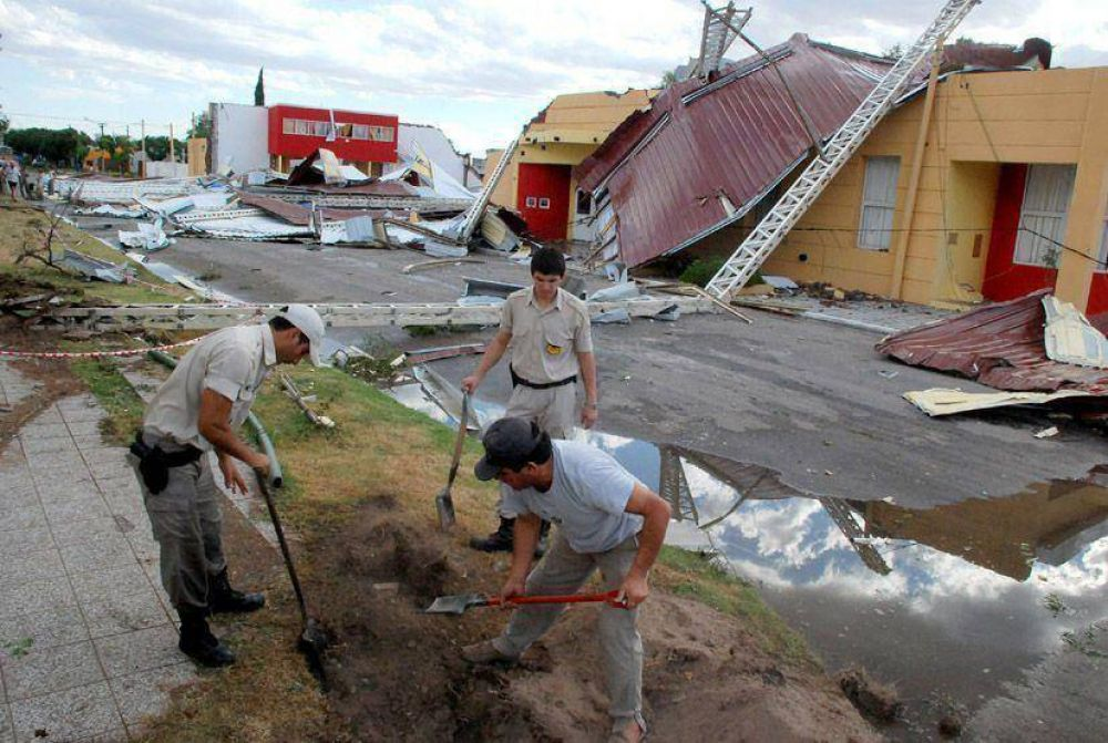 Un tornado arrasó Ataliva Roca.