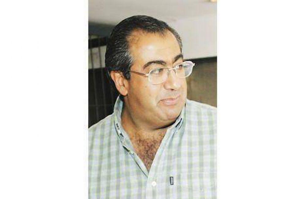 Moyano quiere aumento digno y discutir cesantías empresa por empresa.