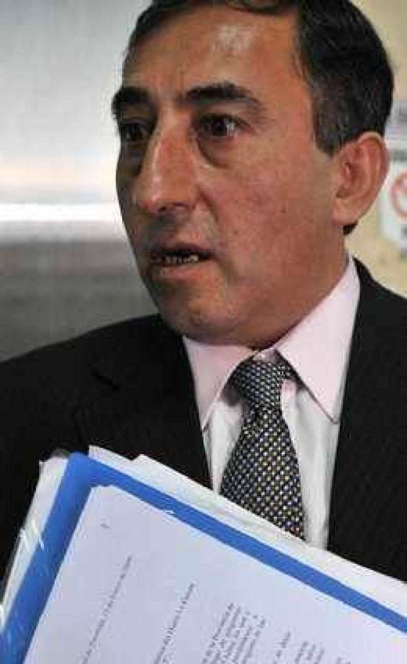 Seg�n Balceda, su proyecto era similar al que propone el PE