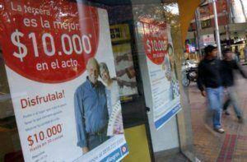 A pesar de la crisis, los que menos ganan continúan endeudándose