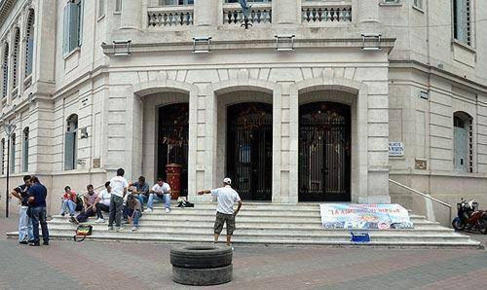Cooperativas sin trabajo: la FTV endurece la protesta ante la firmeza del Ejecutivo