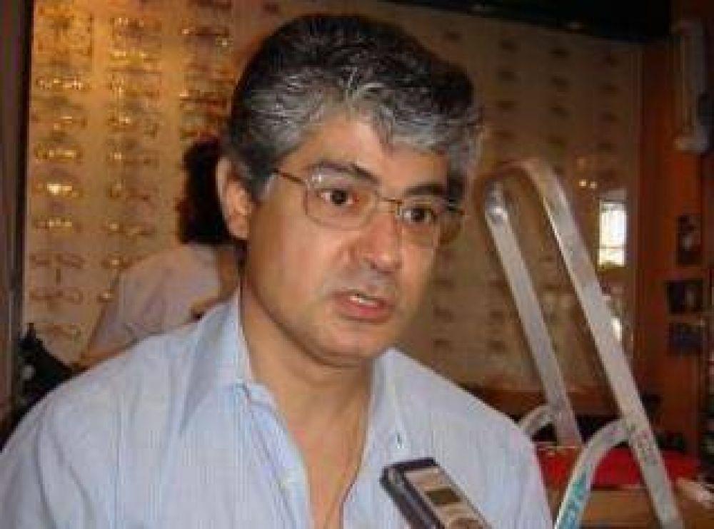 Empresario óptico expresó su descontento por el comercio ilegal de anteojos, venta que produce también daños a la salud