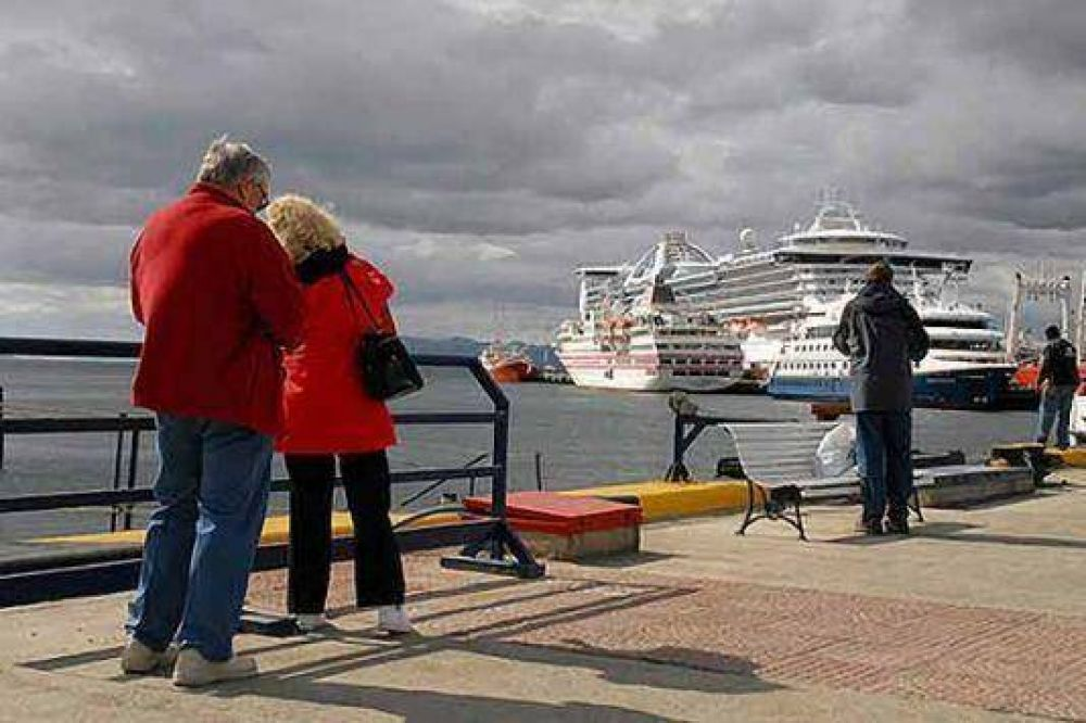 La capital fueguina ya es considerada como principal puerto de cruceros del hemisferio.