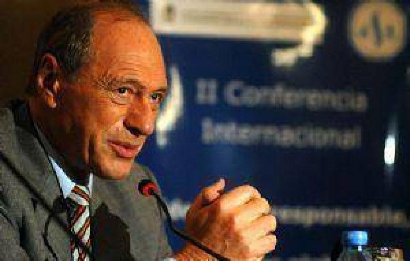 """Eugenio Zaffaroni: """"Scioli se equivocó al dar autonomía a la Policía"""""""