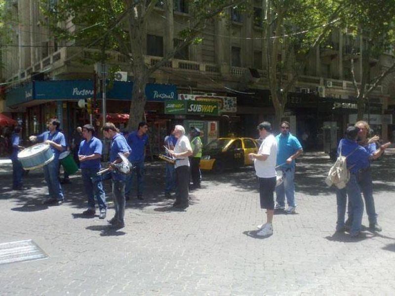 Sindicalistas reclamaron a la AFIP que libere el cargamento de bananas de Argenfruit