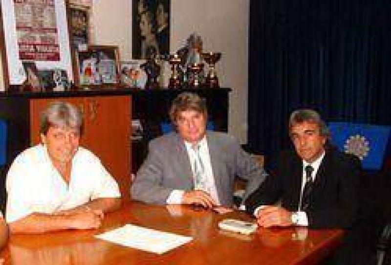Firma de importante convenio entre UOM y Vittal para prestaci�n de emergencias m�dicas a afiliados.