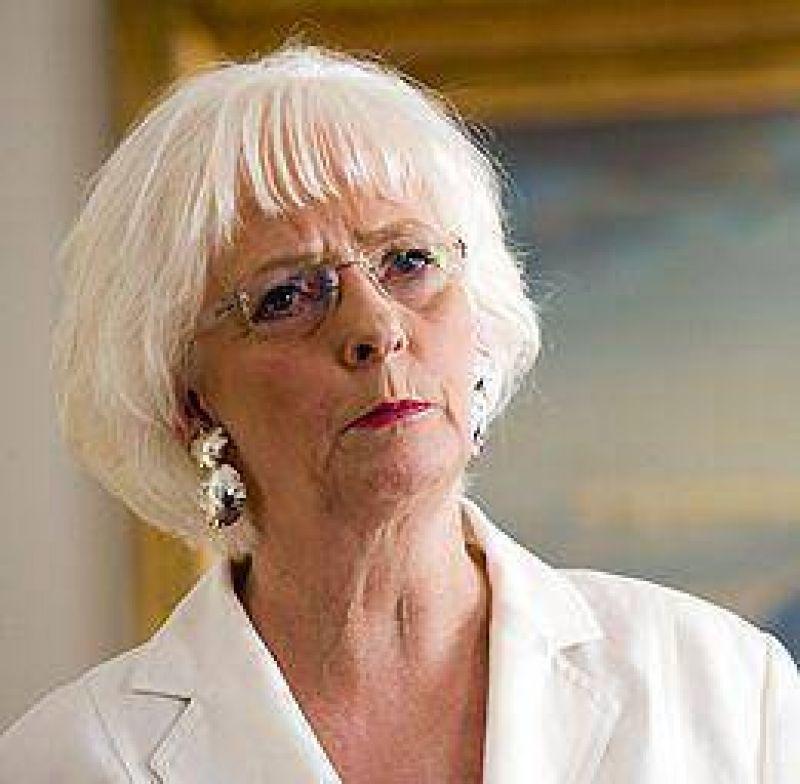 Islandia: asumió la primera ministra Sigurdardottir