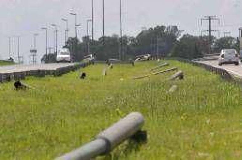 Otra vez se roban columnas y carteles en la Circunvalaci�n