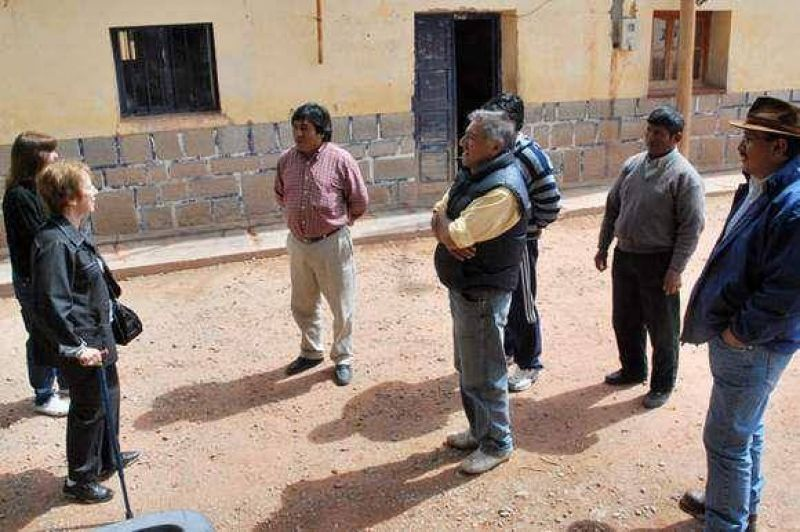 Humahuaca:Funcionarios supervisaron defensas en el R�o Grande.