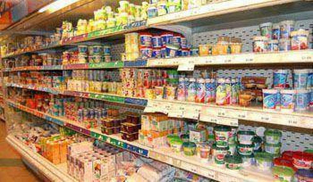 Efectos colaterales del calor: inspeccionan el estado de conservación de los alimentos.