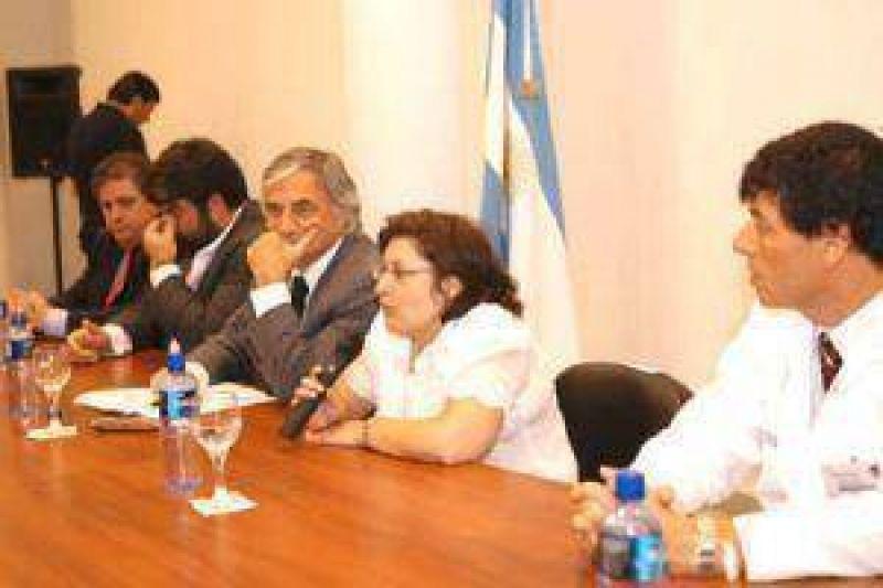 La ministra Graciela Ocaña recibió a las nuevas autoridades del hospital