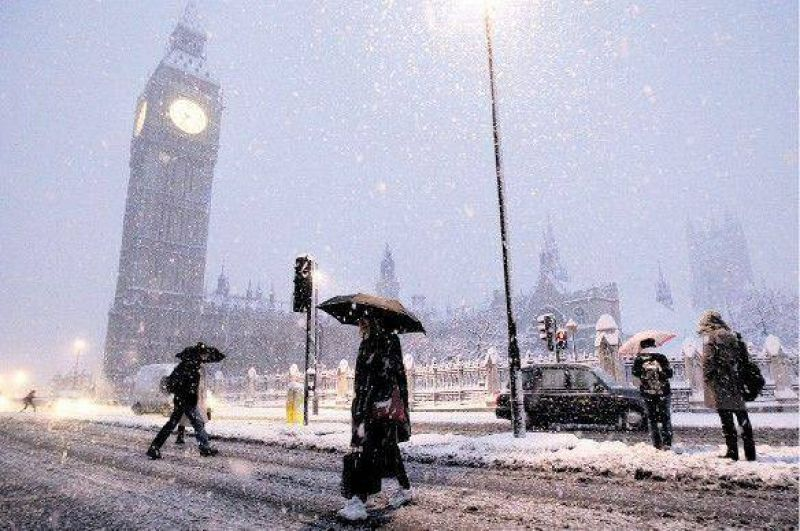 Una inusual tormenta de nieve paralizó Londres, París y Madrid