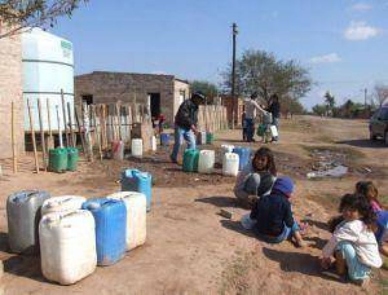 Elevadas temperaturas profundizan los graves problemas de agua potable en S�enz Pe�a.