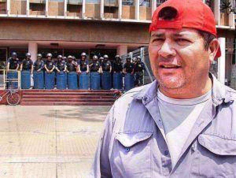 Municipales piden que se denuncie a Sena por incitaci�n a la violencia.