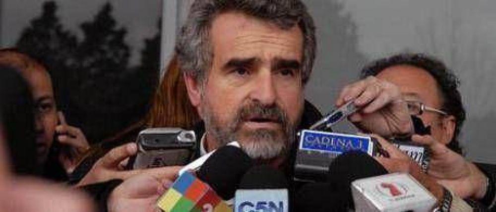 Agustín Rossi comparó la justificación de la agresión con el