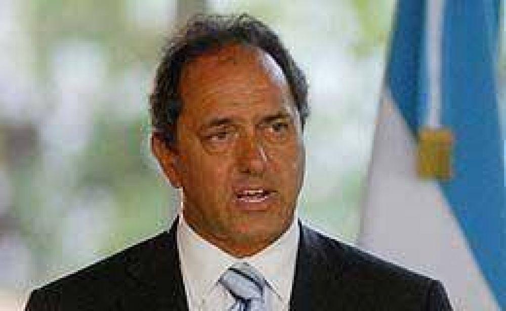 Scioli no descartó que la Policía esté involucrada en las amenazas