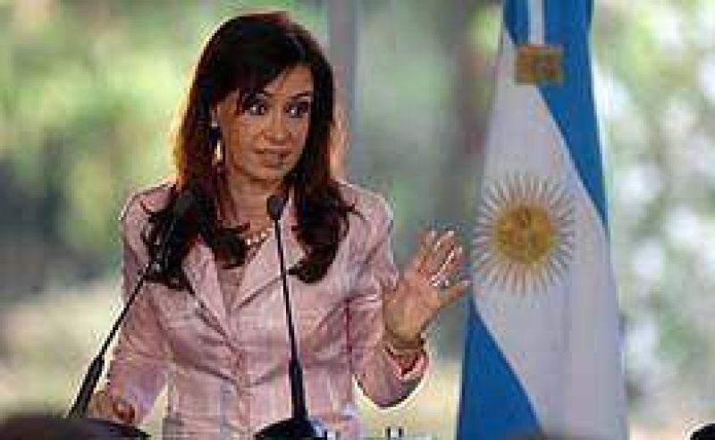 Nueva ronda de funcionarios en Olivos para hablar con Cristina