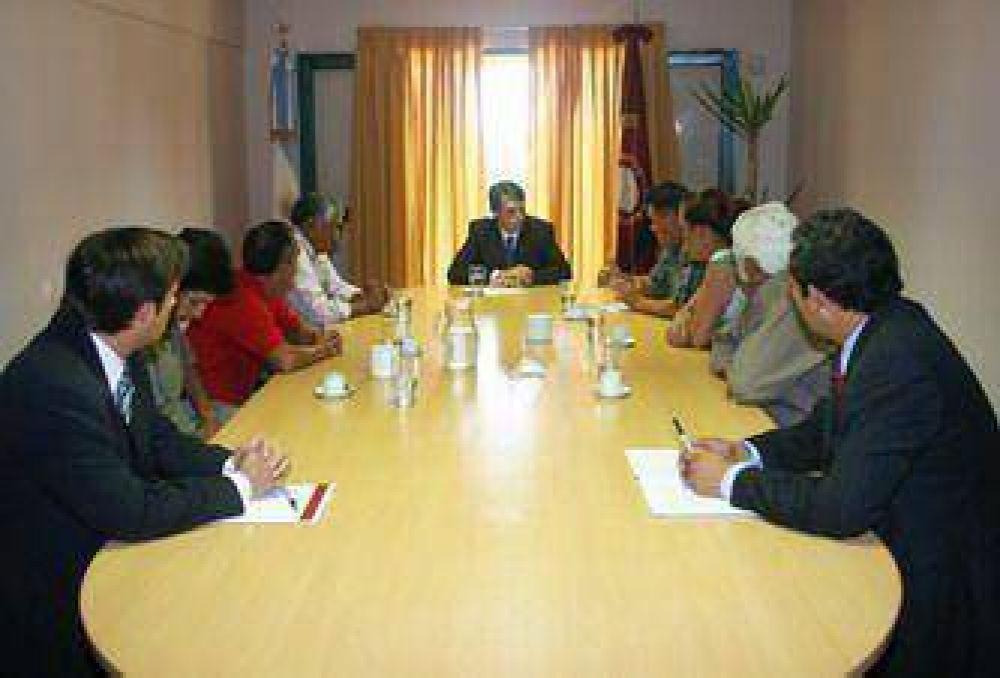 El ministro Kosiner recibió a vecinos de Santa Cecilia y Democracia