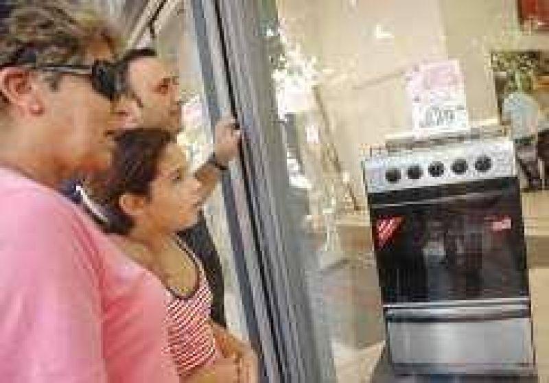 Plan canje de electrodomésticos: arrancó, pero a media máquina