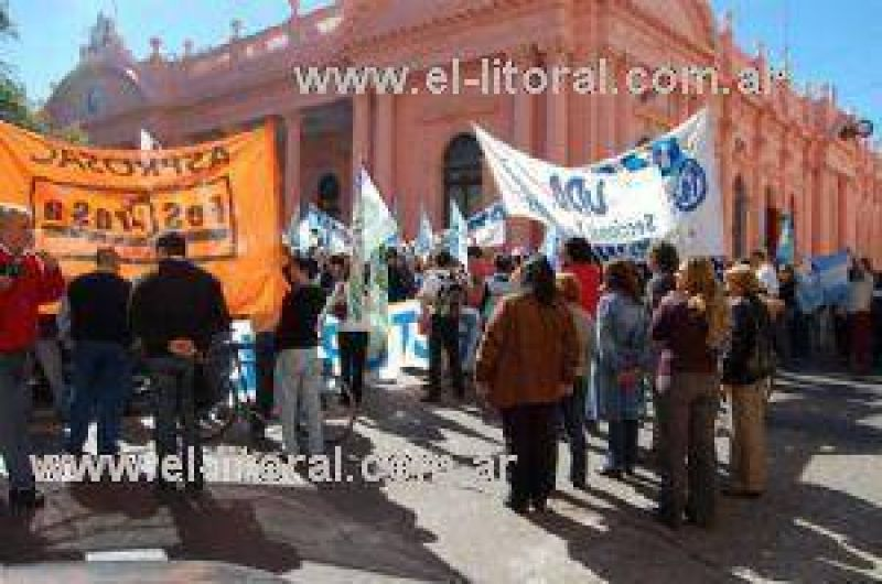 Gremios buscarán reunirse con Macció para apurar agenda 2012