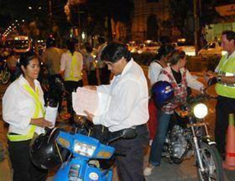 Buscan prohibir los escapes libres de las motos.