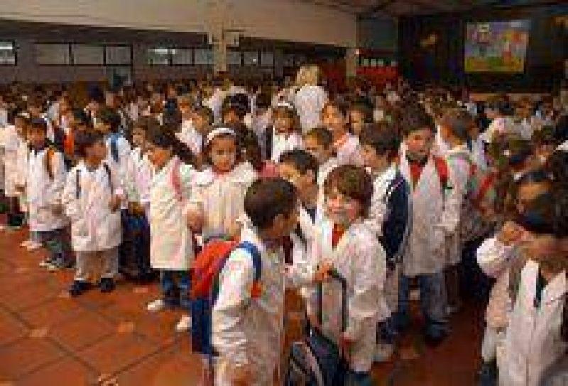 Se incrementó el valor de la canasta escolar y la mayor suba se produjo en la indumentaria.