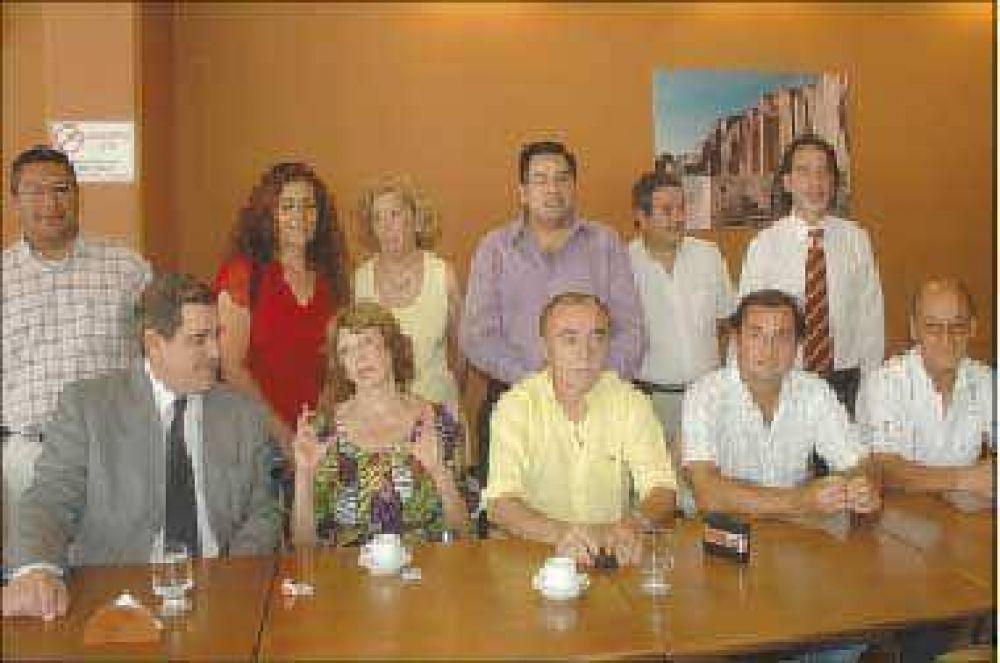 La oposición pide boleta única e internas abiertas y simultáneas