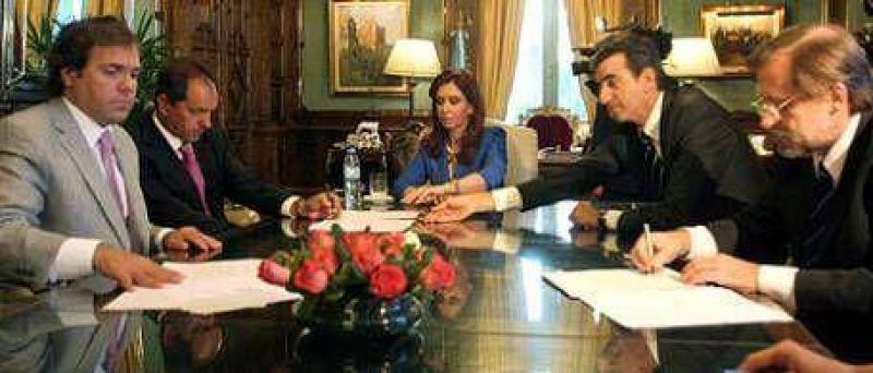 El Gobierno saca a Scioli del ahogo financiero
