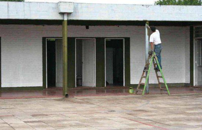 El municipio y la Comunidad Educativa realizan mejoras en la Escuela Nro. 29.