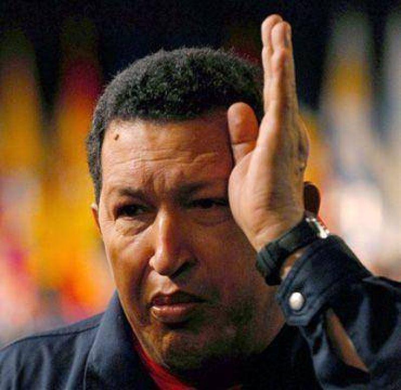 Chávez celebró con un desfile su intento golpista