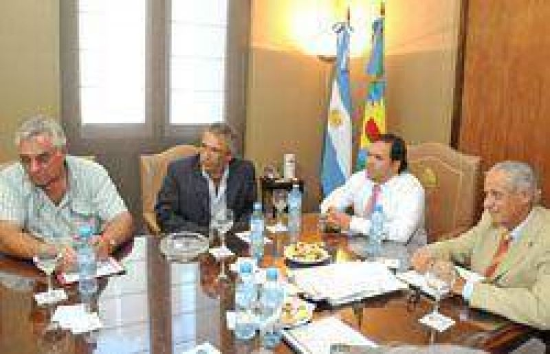 Pérez y Monzó se reunieron con intendentes de la Segunda Sec.