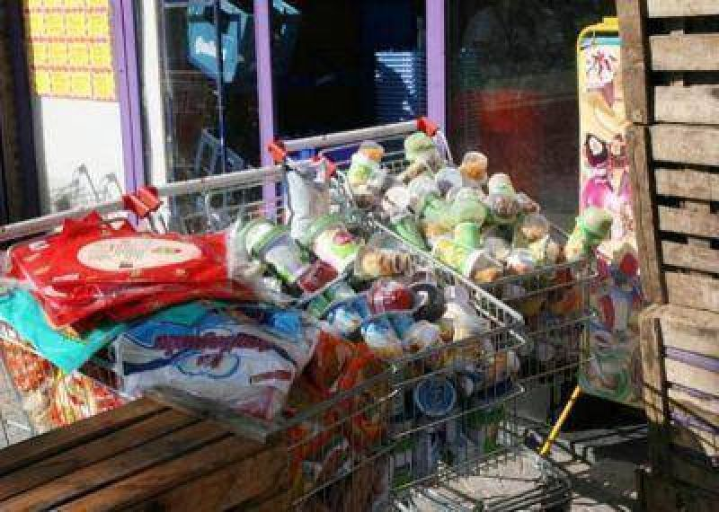 Decomiso de alimentos en mal estado en Berazategui.