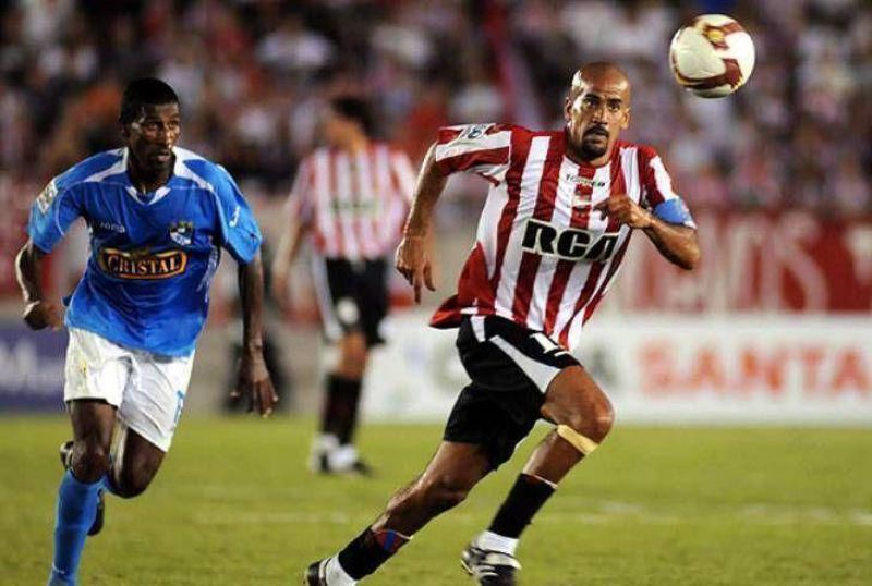 A Estudiantes le costó librarse de Sporting Cristal.