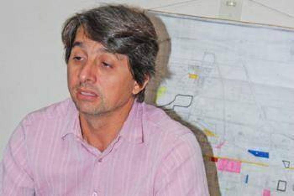 """Hay proyectos de más """"Lotes con servicio"""" dijo Gualtieri."""