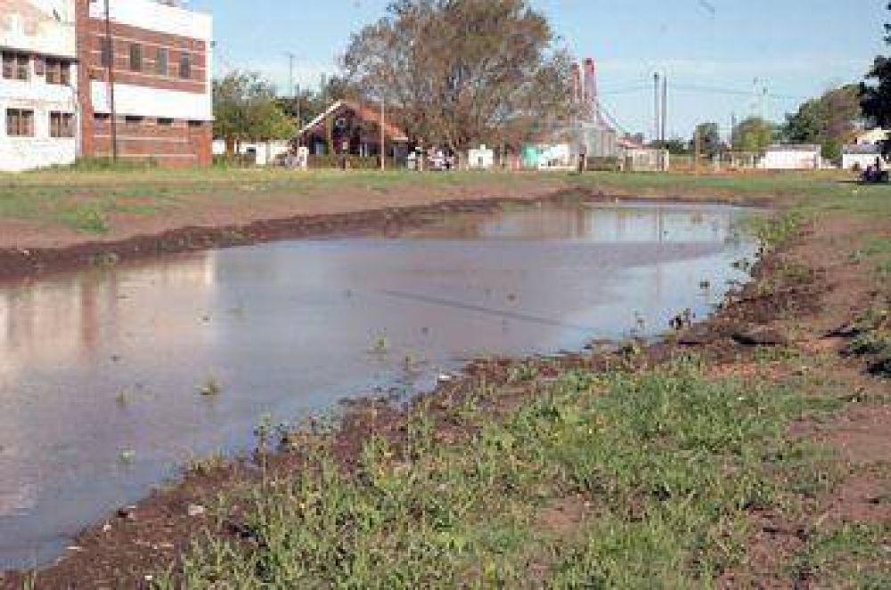 El nuevo embalse logró evitar inundaciones, según Rivadero