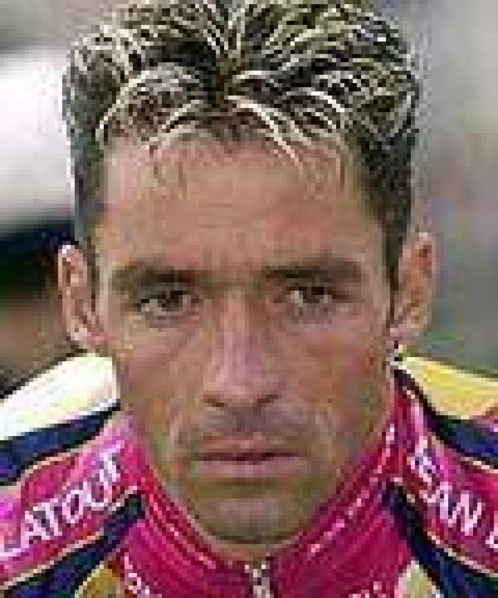 Conmoción en el ciclismo por la muerte de un ex campeón mundial y una joven promesa.