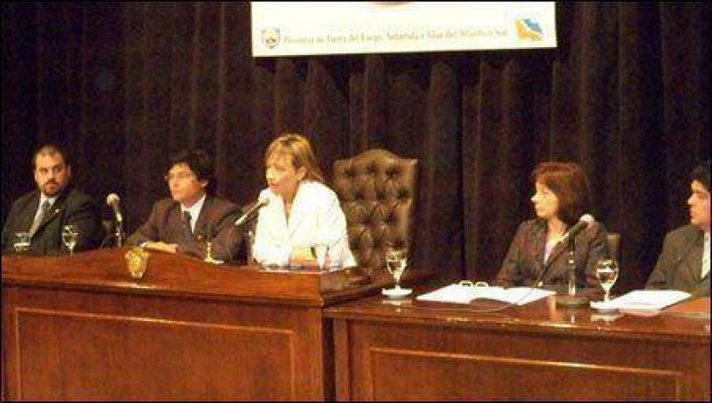 Desde el Gobierno piden al SUTEF «prudencia» para no comenzar el año en conflicto.